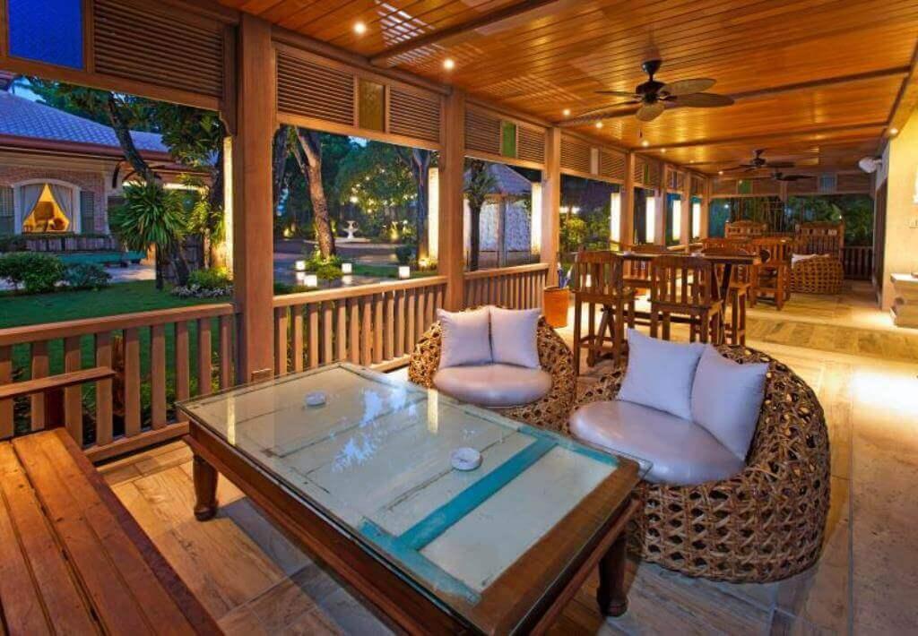 コスタベラ・トロピカル・ビーチホテル(Costabella Tropical Beach Hotel)はレストランのエンターテイメントがいいセブ島のリゾートホテル