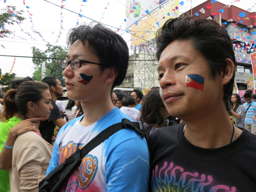 シヌログ祭りではミスフィリピーナ?から芸能人までパレードは大盛り上がり