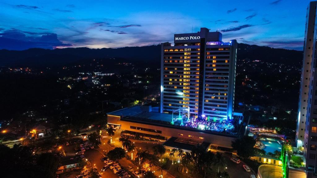 マルコポーロ プラザ セブ(Marco Polo Plaza Cebu Hotel)はキレイな夜景が見れる