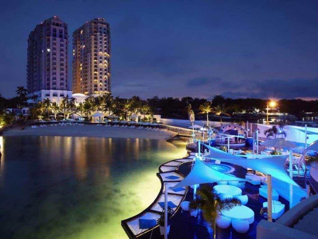 モーベンピック・ホテル・マクタンアイランド・セブ(Moevenpick Hotel Mactan Island Cebu)は高層のホテルでヨーロッパ風でおしゃれなセブ島の高級リゾートホテル