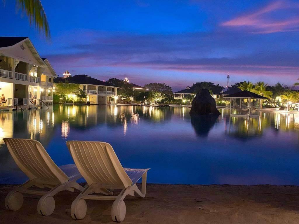 プランテーションベイリゾートスパ(Plantation Bay Resort&Spa)は広大なプールが圧巻の5つ星のセブ島のリゾートホテル