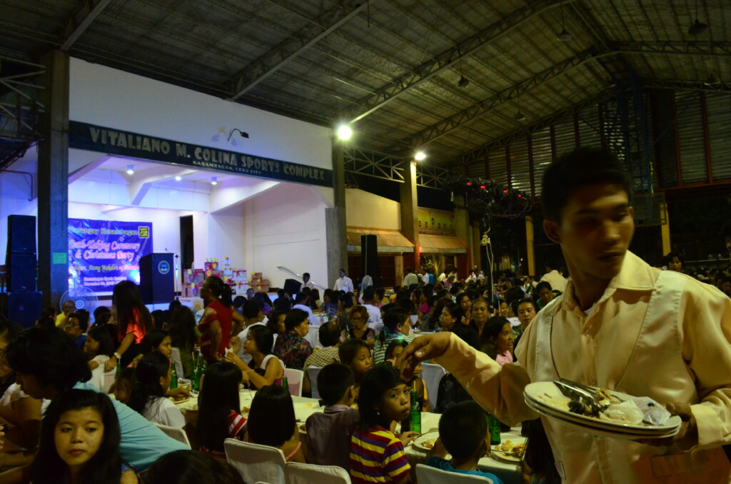 フィリピンのバランガイでワイワイ騒ぐことによって身も心もフィリピン人になれる
