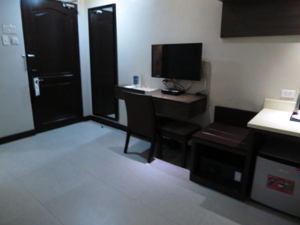 セブ島のキャッスルピーク ホテルの部屋やアメニティーはビジネスホテルクラス