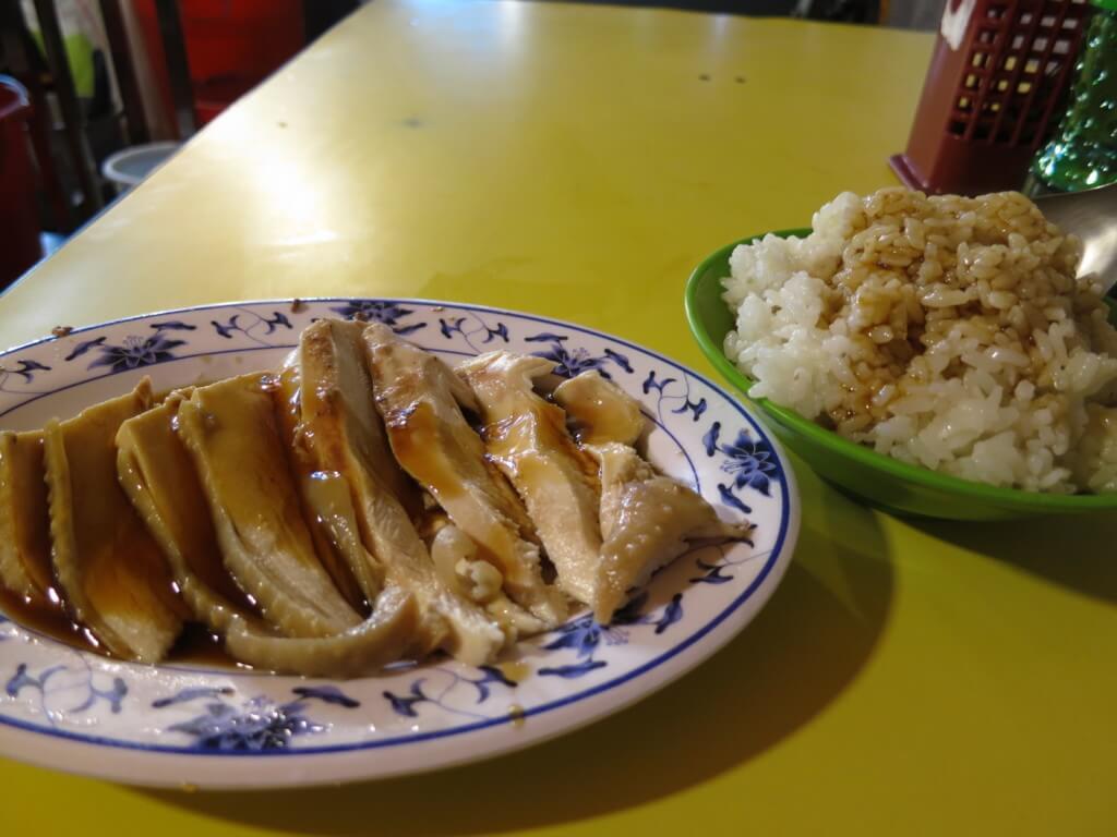 台北の華西街観光夜市では海南鶏飯(カオマンガイ)も食べれる