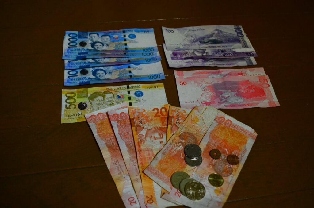 クレジットカードの海外キャッシングを繰り上げ返済で金利(利息)分を減らす