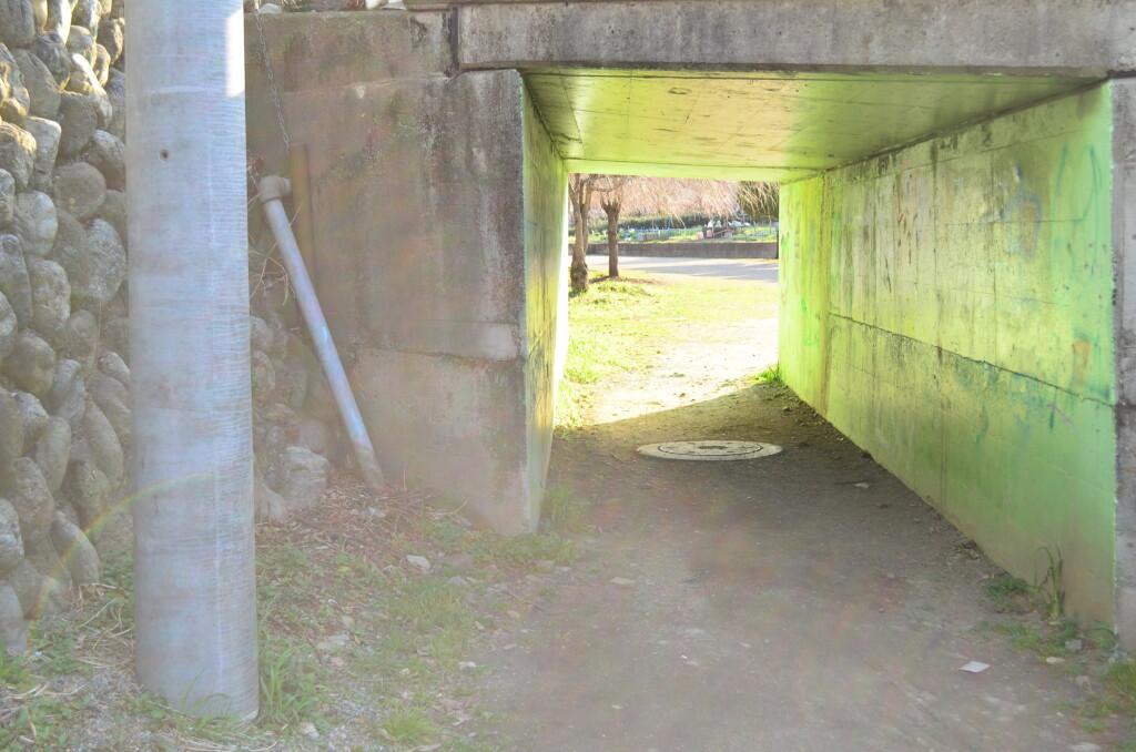 桜木町児童公園(けやき公園)は「ゆきあつ」と「あなる」の会話を見ている「つるこ」が立っていた場所