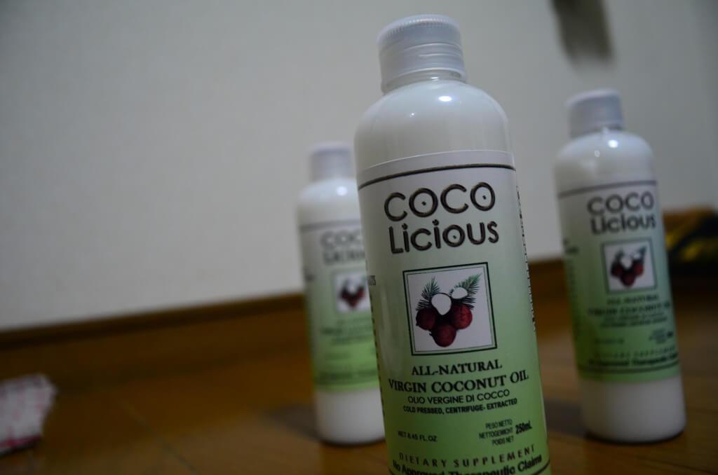 バージンココナッツオイルは中鎖脂肪酸なので温度によって白い固形や液体に変わる