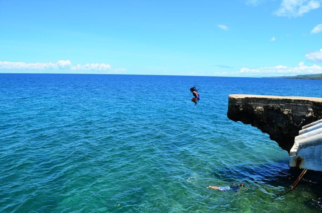 カモテス島 BuhoRock ブホロック 飛び込み台 飛び込み滑り台