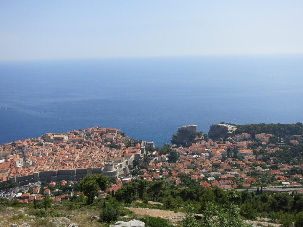 スルジ山 ドブロブニクの街並み 登山道 暑い クロアチア