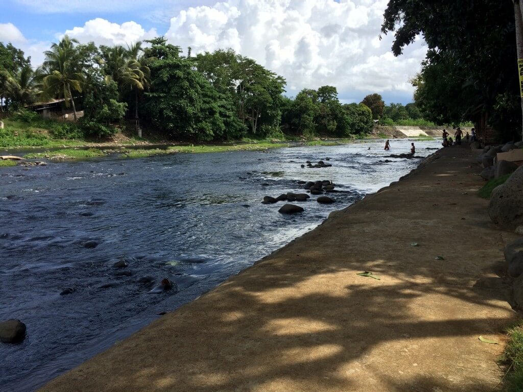 Daminar Riverside Garden ミンダナオ島 オロキエタ 川沿い mindanao oroquieta