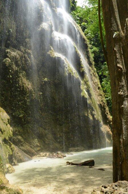 ツマログ滝 Tumalog fall オスロブ セブ島観光 フィリピン