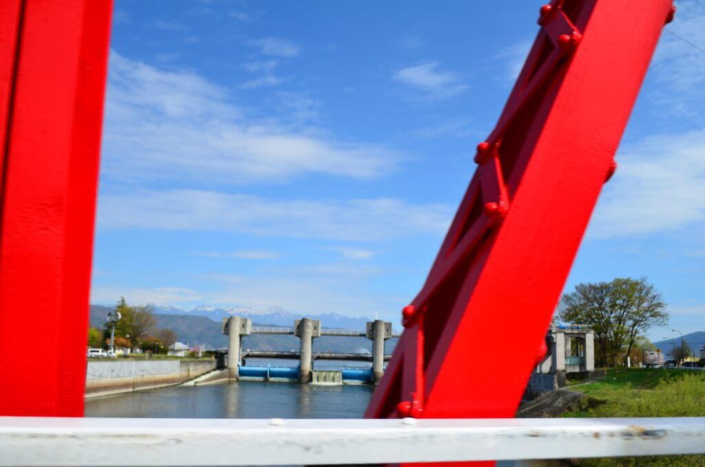 諏訪湖は花火大会にワカサギ釣り・温泉と魅力いっぱい