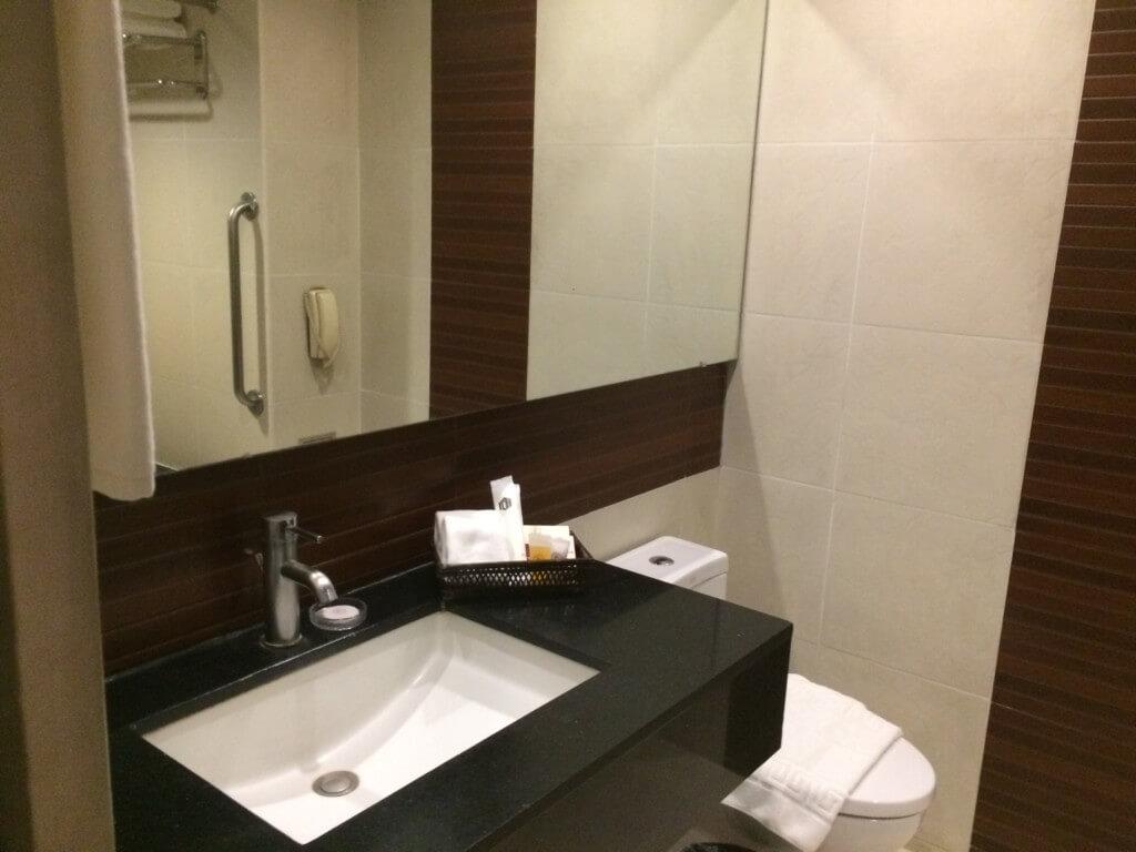 バコロドのエルフィッシャーホテルの部屋やアメニティー