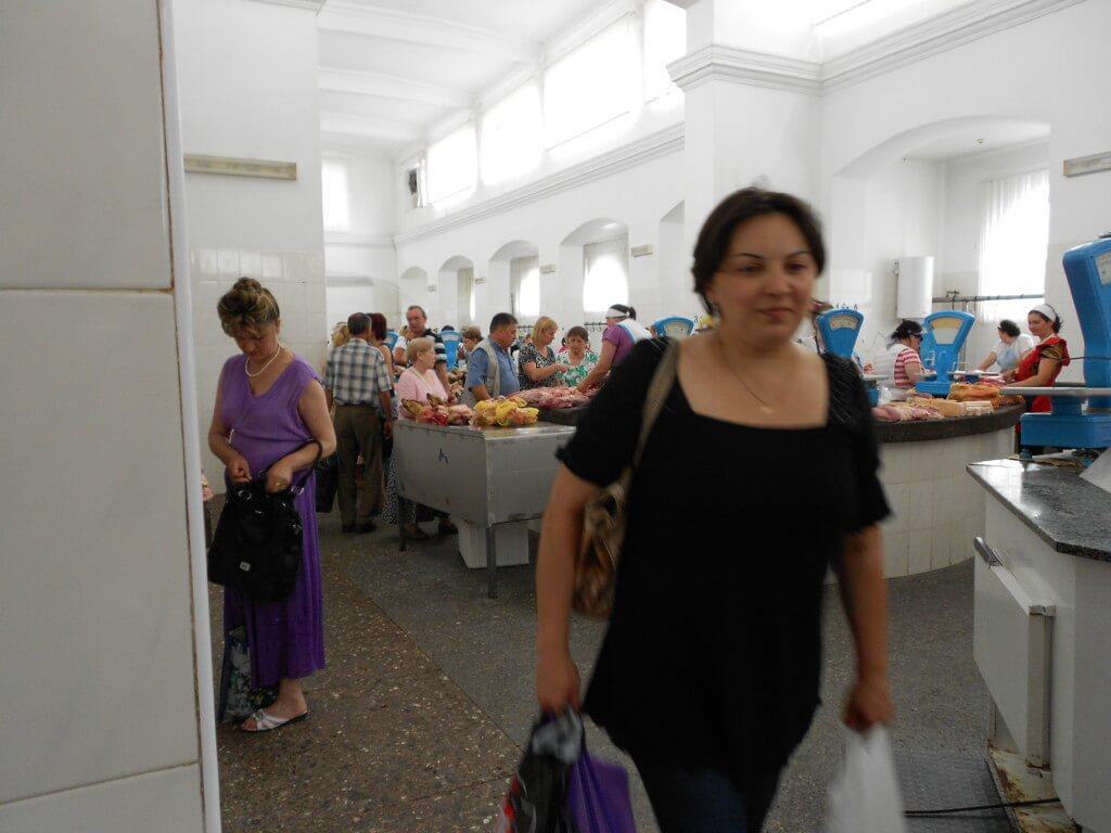 【22カ国目】モルドバでは真っ暗闇の中バスから捨てられたり、人種の偏見を垣間見たり