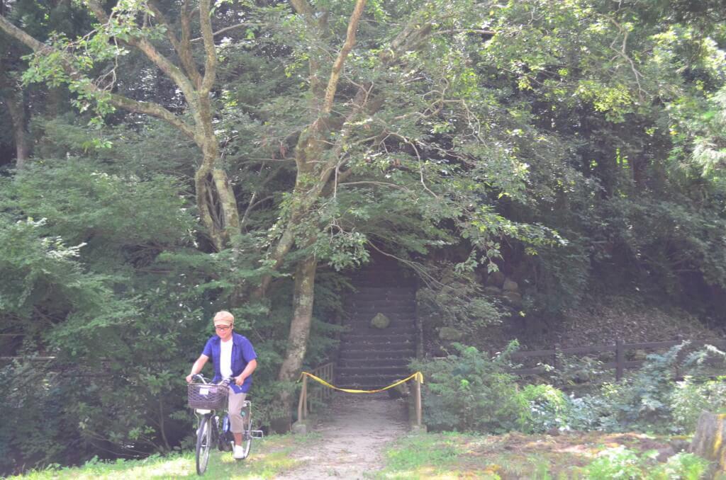 石見銀山の観光スタートは大森バス停で降りてレンタサイクル