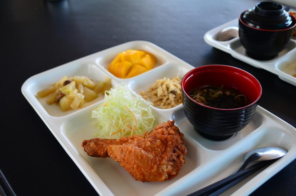 CEGAの食事は日本食を取り入れていて生徒さんの評判もいい