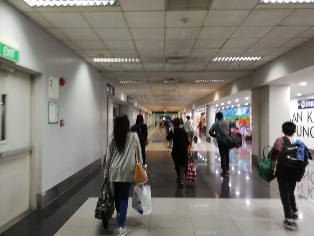 フィリピンの税関申告書(Customers Declaration)の書き方や配られるかどうか?