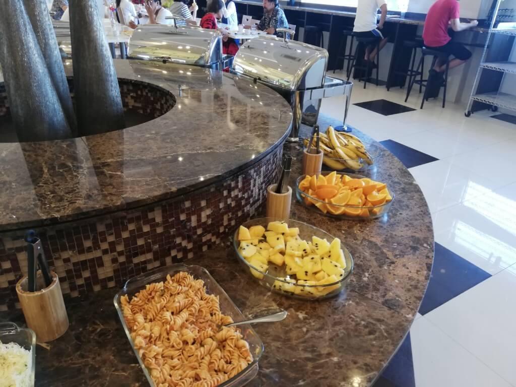 東横インセブは朝食はビュッフェ形式で日本語表示があるから英語に不安がある人も安心のホテル