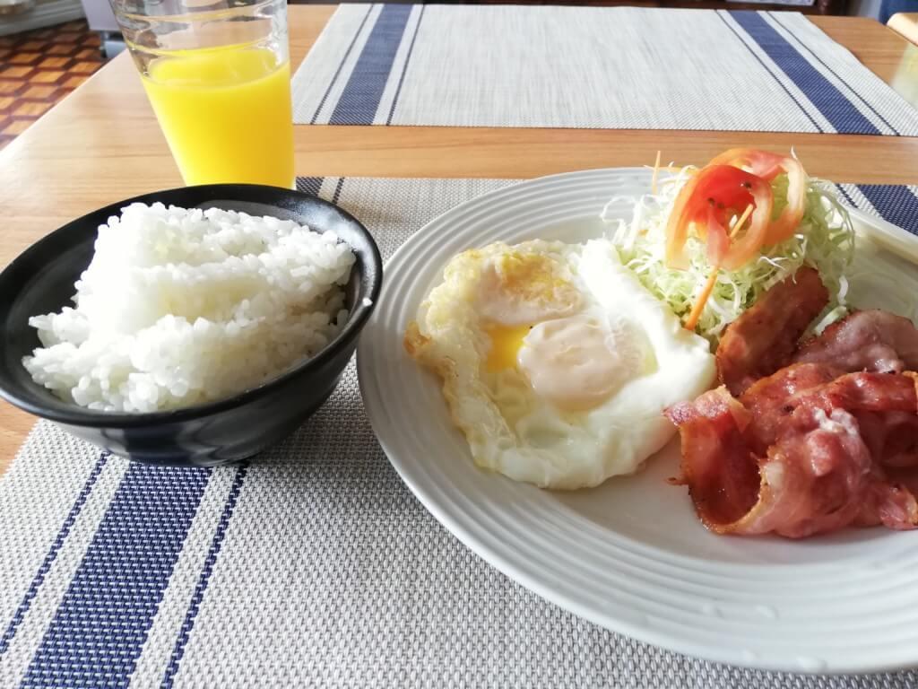 セブ島のゲストハウスのどかの朝食の種類は豊富で選べる