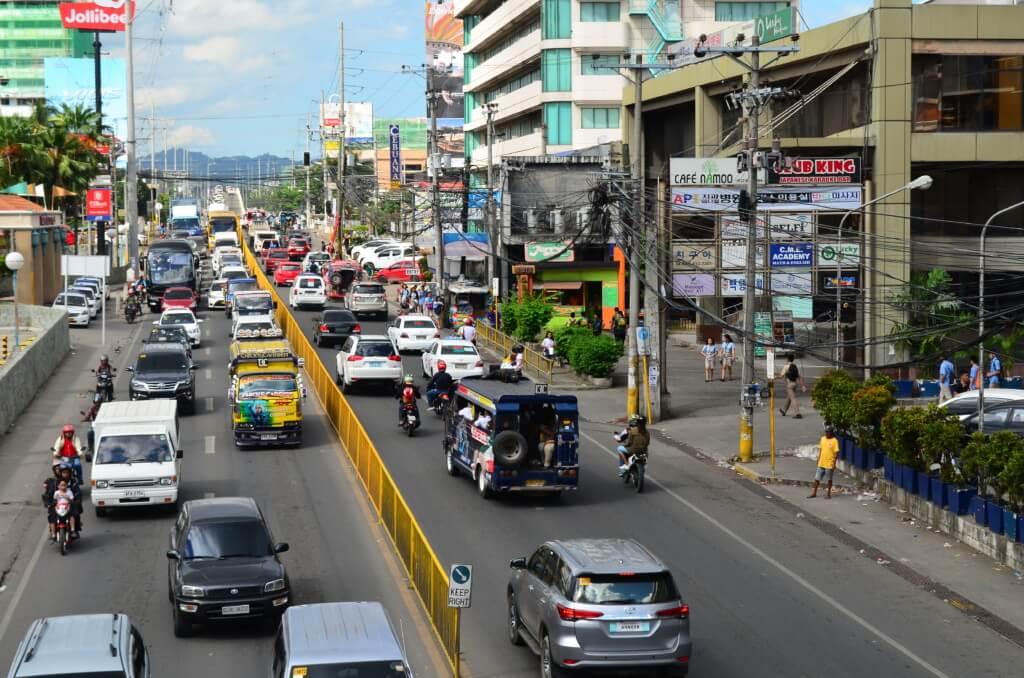 Angkas(アンカス)はバイクタクシーのGrab(グラブ)で渋滞知らずで料金が決まっている