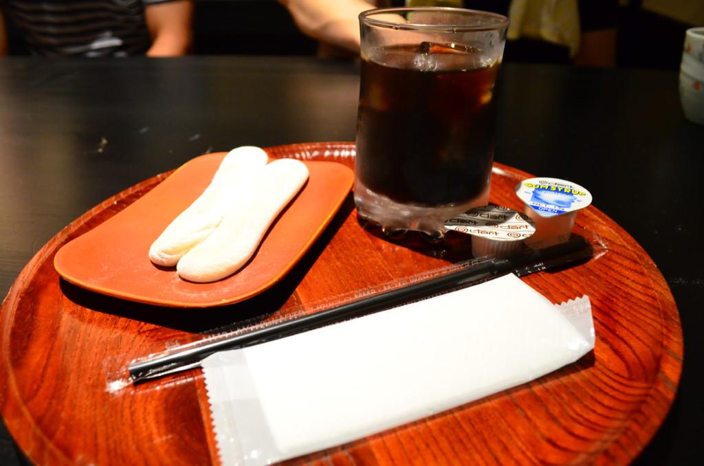 和か屋本店で食べたお滝餅は外は焼かれてカリっとして中の餡がうまい!