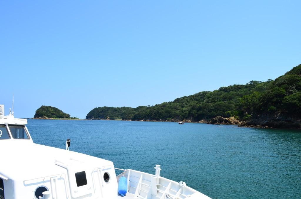 野奈浦広場は友ヶ島の観光の出発拠点でもあり帰りの船待ち場